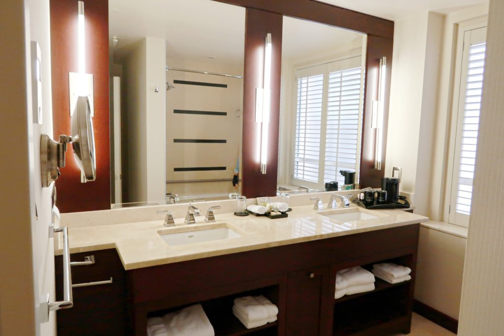 St. Regis Hotel Vancouver Bathroom