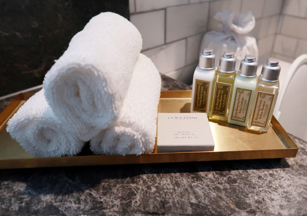 exchange hotel superior queen bathroom products