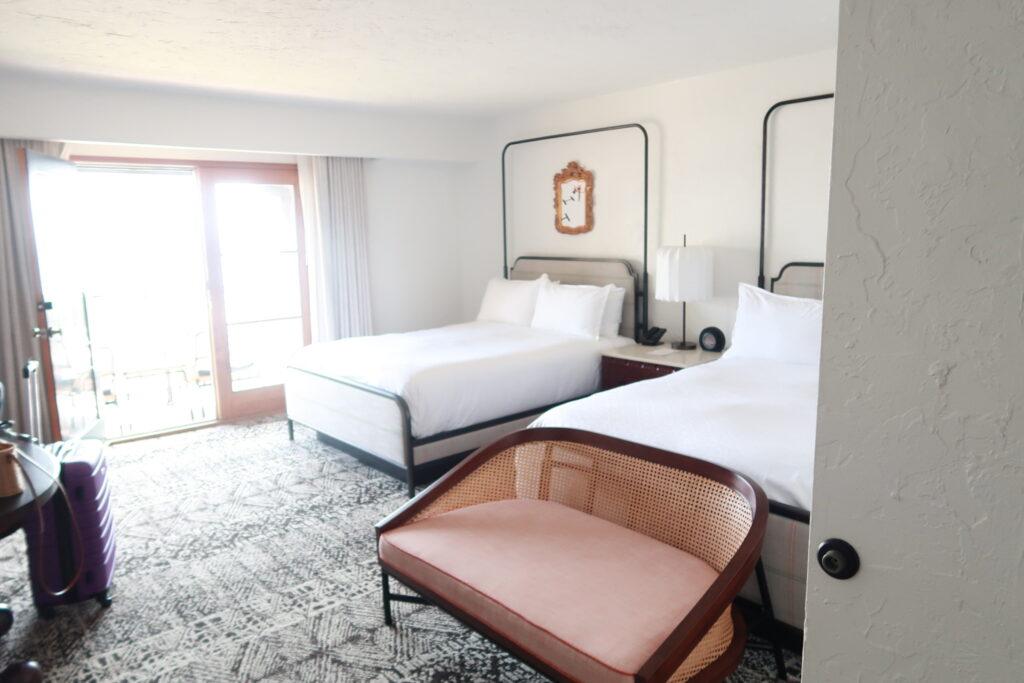 Mar Monte Hotel Queen Bedroom