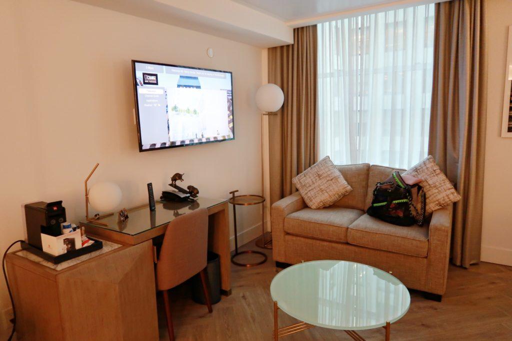 exchange hotel superior queen living room