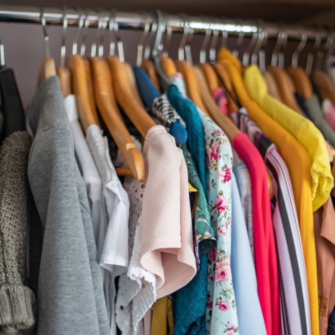 Strategies for de-Cluttering Your Closet
