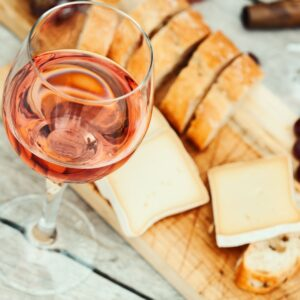 5 Sweet Gifts To Get The Wine Lover in Your Life