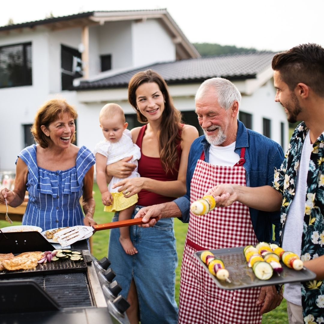 """How To Throw the Perfect """"Goodbye Summer"""" Party"""